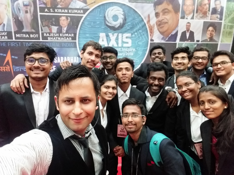 Illusionist Rahul Kharbanda enthralled the students of VNIT Nagpur during their Annual Technical Festival AXIS 2018 and they welcomed him wholeheartedly